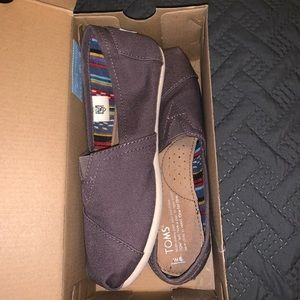 Brand new brown TOMS.